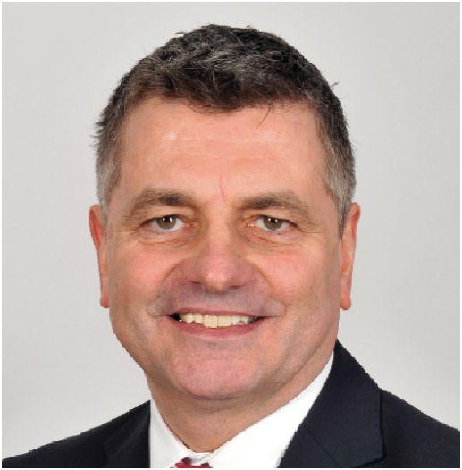 <b>Robert Hampe</b> wird die konstituierende Ratssitzung als Alterspräsident ... - Jobst%202014
